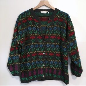 Beautiful Vintage Flower Button-Up Sweater, M